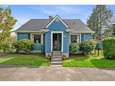 Single Family Home For Sale: 3434 NE Siskiyou St