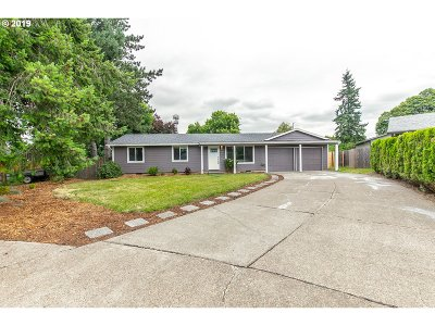 Beaverton Single Family Home For Sale: 3920 SW 208th Ct