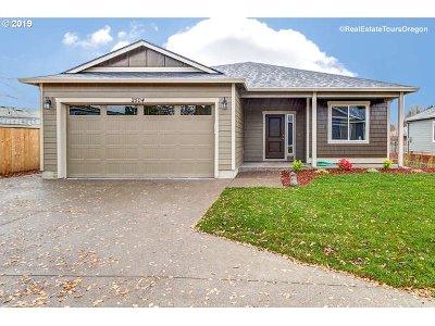 Salem Single Family Home For Sale: 2504 Kodiak Ct