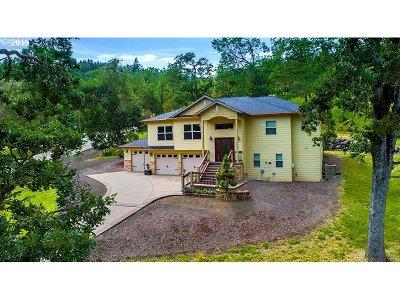 Roseburg Single Family Home For Sale: 815 Braunda Dr