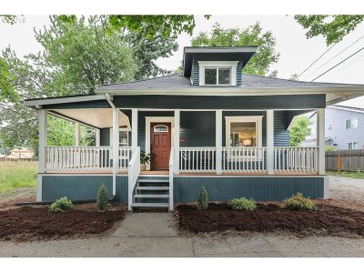 Portland Single Family Home For Sale: 9930 N Oregonian Ave