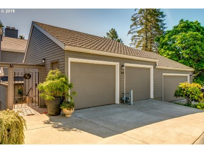 Lake Oswego Single Family Home For Sale: 48 Greenridge Ct