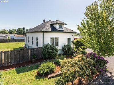St. Helens Single Family Home For Sale: 410 N Vernonia Rd