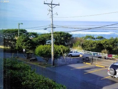 Lincoln City Condo/Townhouse For Sale: 4239 SW Hwy 101
