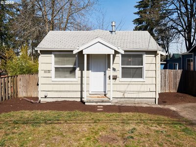 Portland Single Family Home For Sale: 5919 NE Alton St