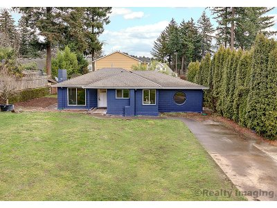 Portland OR Single Family Home For Sale: $270,000