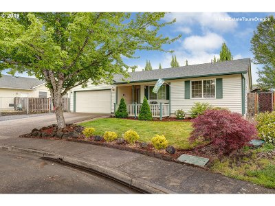 McMinnville Single Family Home For Sale: 1823 SW Acorn Ct