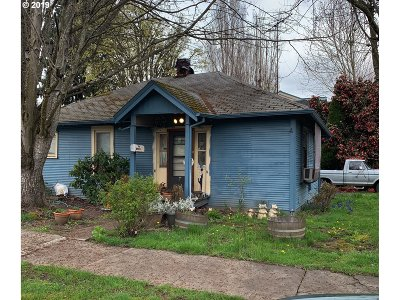 McMinnville Single Family Home For Sale: 404 NE Irvine St