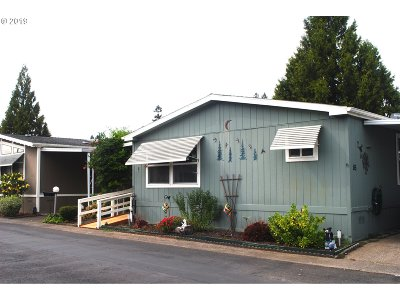 Tualatin Single Family Home For Sale: 18485 SW Pacific Hwy #85