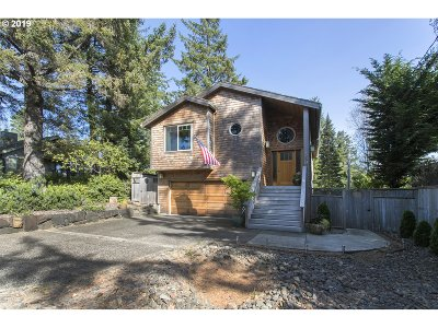Manzanita Single Family Home For Sale: 850 Elm St