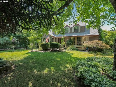 Gresham Single Family Home For Sale: 4910 SE Powell Valley Rd