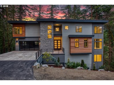 Portland Single Family Home For Sale: 1320 SW Highland Pkwy