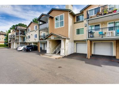 Beaverton Condo/Townhouse For Sale: 740 NW 185th Ave #305