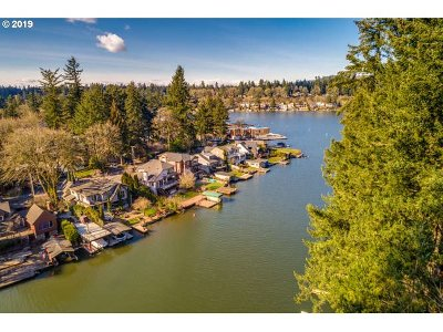 Lake Oswego Single Family Home For Sale: 17095 Westview Dr