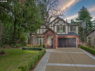 Lake Oswego Single Family Home For Sale: 1122 Bayberry Rd