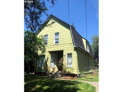 Clackamas County, Multnomah County, Washington County Multi Family Home For Sale: 3733 SE Harrison St