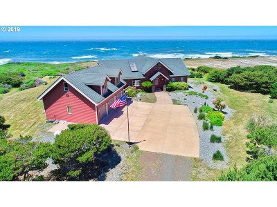 Gold Beach Single Family Home For Sale: 33160 Nesika Rd