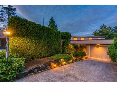 Lake Oswego Single Family Home For Sale: 805 Bullock St