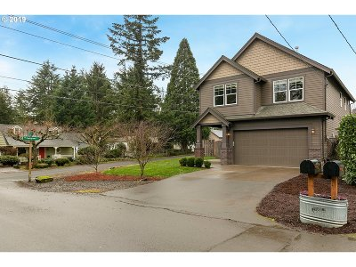Milwaukie Single Family Home For Sale: 12965 SE 24th Ave