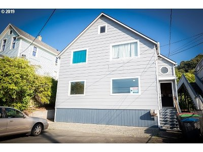 Astoria Multi Family Home For Sale: 459 W Marine Dr