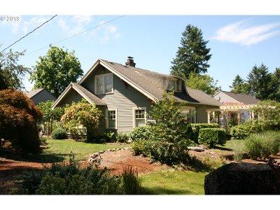Portland Single Family Home For Sale: 5445 SW Ames Way