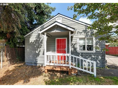 Portland Single Family Home For Sale: 15417 SE Division St