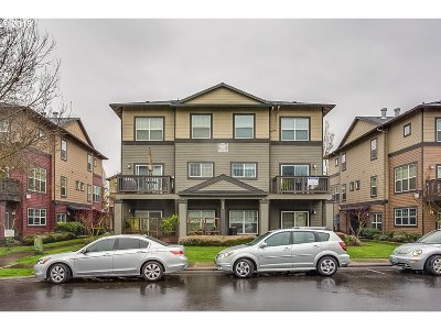 Sherwood Condo/Townhouse For Sale: 22832 SW Forest Creek Dr #203