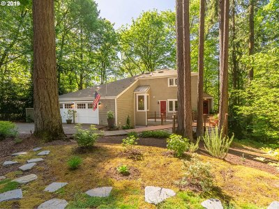 Lake Oswego Single Family Home For Sale: 3220 Edgemont Rd