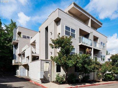 Portland Condo/Townhouse For Sale: 606 SW Nevada St #A