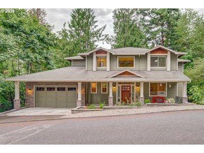 Multnomah County Single Family Home For Sale: 7420 SE 118th Dr