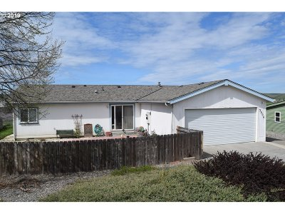 Pendleton Single Family Home For Sale: 3006 SW River View Dr