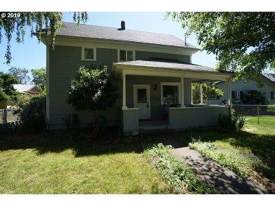 Aurora Single Family Home Pending: 21330 NE Main St