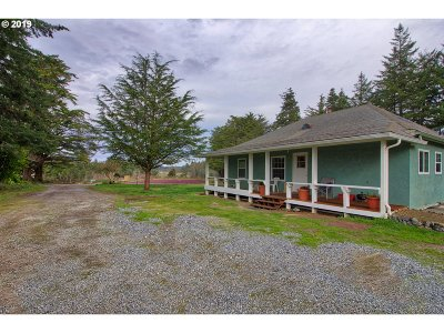Bandon Single Family Home For Sale: 47866 Hwy 101