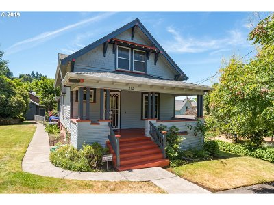 Oregon City Single Family Home For Sale: 812 6th St