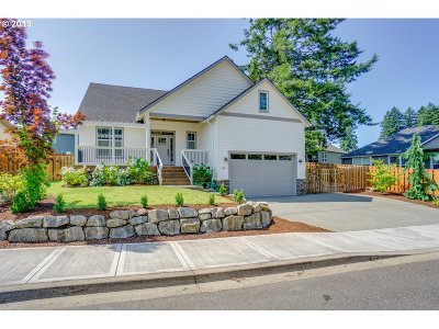 La Center Single Family Home For Sale: 126 W 16th St