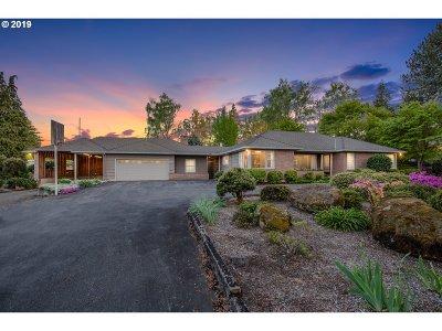 Hillsboro Single Family Home For Sale: 810 NE Grant St