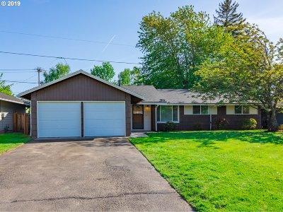 Gresham Single Family Home For Sale: 23622 SE Oak St