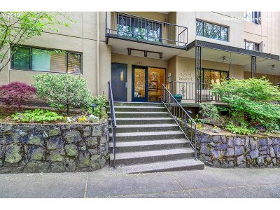 Condo/Townhouse For Sale: 2021 SW Main St