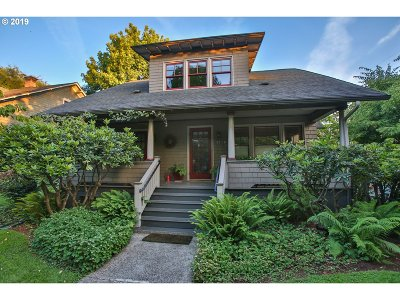 Portland Single Family Home For Sale: 4406 SE Clay St