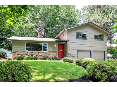 Portland Single Family Home For Sale: 9131 SW 40th Ave