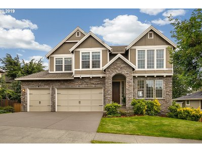 Happy Valley Single Family Home For Sale: 11158 SE Hilltop Ct