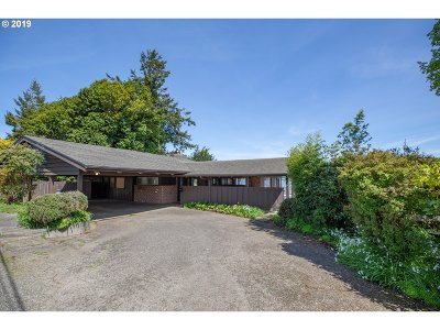 North Bend Single Family Home For Sale: 1381 Bayview