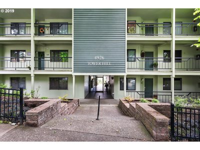 Portland Condo/Townhouse Bumpable Buyer: 4926 SW Corbett Ave #504
