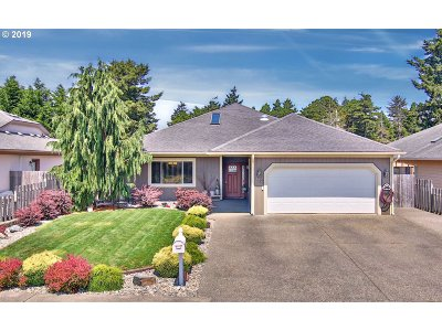 Coos Bay Single Family Home For Sale: 738 Edwards Ave