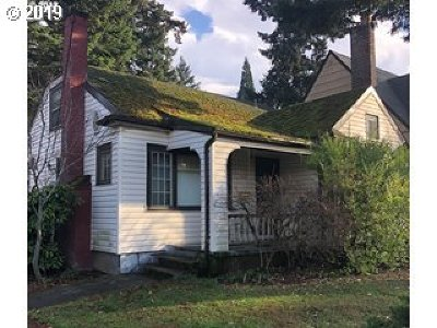 Single Family Home For Sale: 2524 NE 32nd Pl