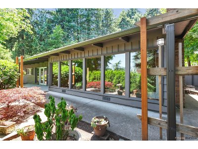 Clackamas County Single Family Home For Sale: 2830 Treetop Ln