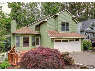 Portland Single Family Home For Sale: 4527 SW Coronado St