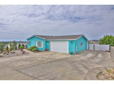 Coos Bay Single Family Home For Sale: 1078 Plymouth Ave