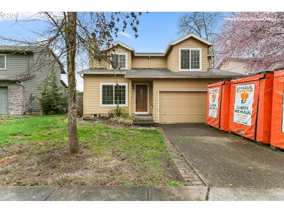 Portland Single Family Home For Sale: 8947 SW 76th Pl