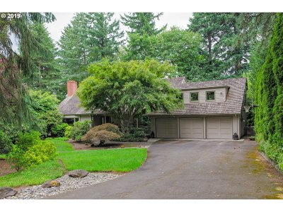 Lake Oswego Single Family Home For Sale: 2151 Crest Dr